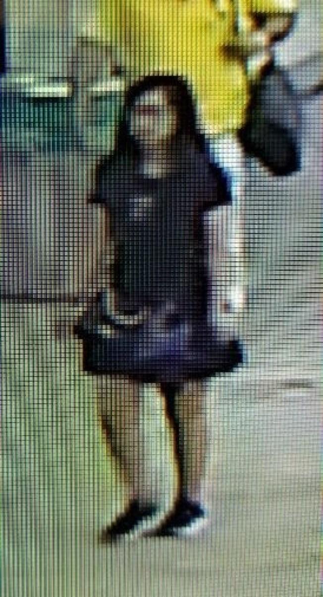 中国12岁女孩疑在美国机场遭诱拐 美警方公布三张现场图