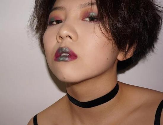 奥运10年杨沛宜现状曝光:爱美妆 是自由的歌者