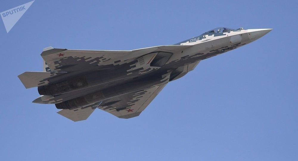 俄军工人士透露苏57价格:比F-35要便宜很多