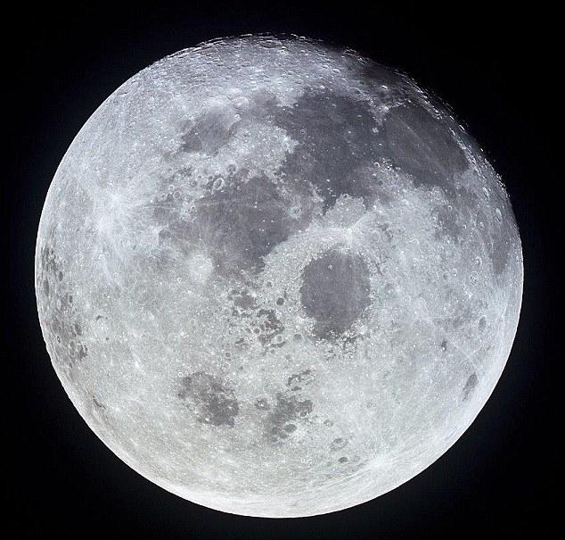 月球首次被发现存在地表水 未来可供月球移民饮用