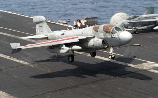 中国舰载机种类搭配可参考美航母 一机型数量应更多