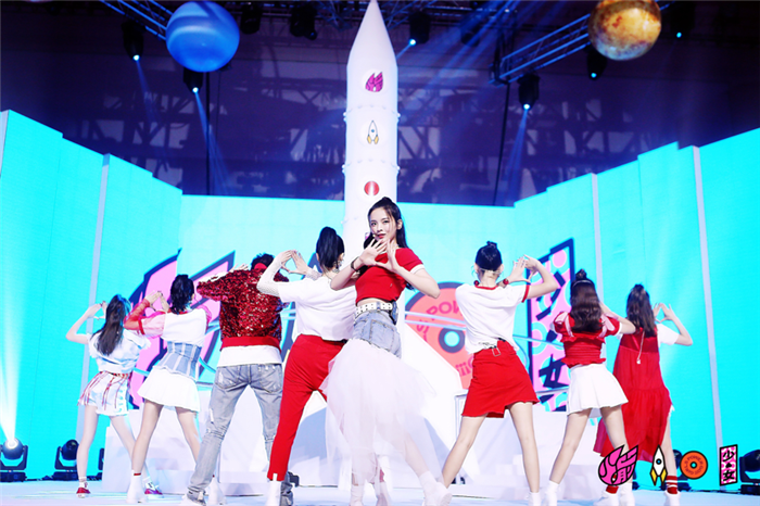 火箭少女101首张音乐专辑发布 两年计划曝光
