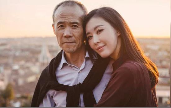 田朴珺自曝爱大30岁王石是因为颜值:用钱买不来