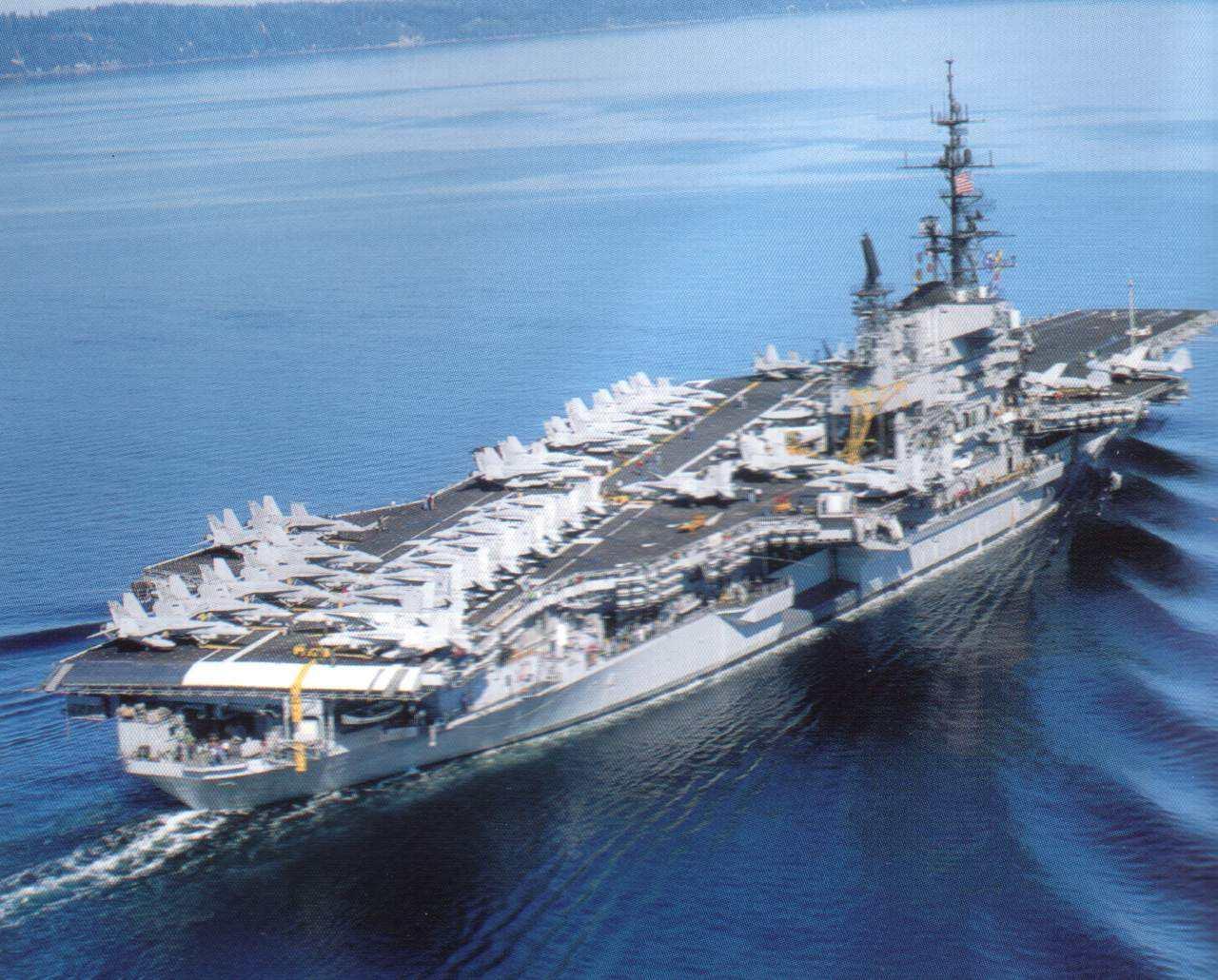 """舰员家属""""心里苦""""!美刊称美军3艘航母将调换母港"""