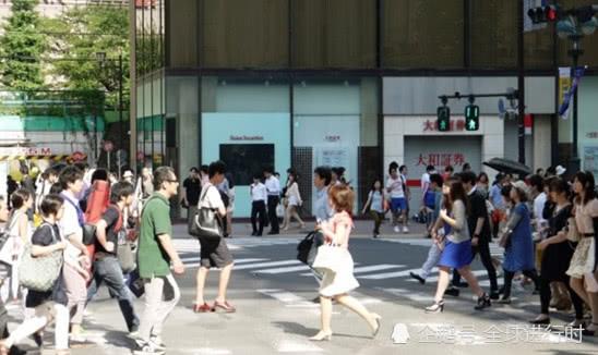中国丈夫的惊讶:日本女性为什么要画那么浓的妆?