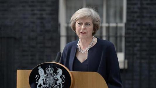 英媒:不满特雷莎•梅脱欧计划 50名英议员要求她下台