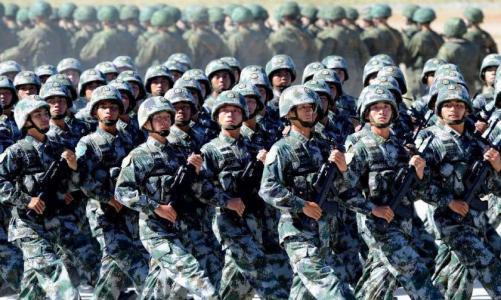 解放军10月1日起将全面恢复播放起床号等11种作息号