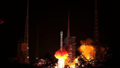"""中國""""一箭雙星""""成功發射兩顆北斗導航衛星 首次裝載搜救設備"""