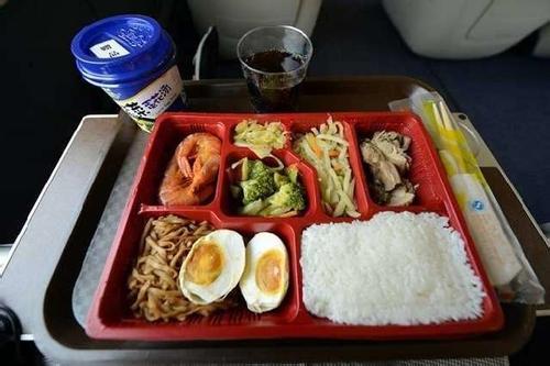 本月29日起高铁常温链盒饭停止使用