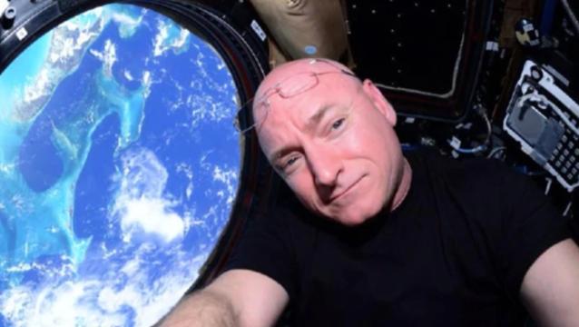 他毛遂自荐,望与日本富豪共同进行SpaceX首次绕月飞行