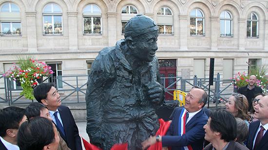 一戰華工紀念銅像落成儀式在巴黎舉行