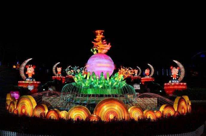 廣州云臺花園中秋花燈會亮燈 將持續至10月30日