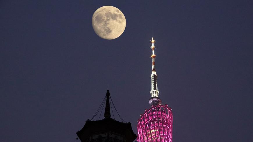 又是一年賞月時,廣州塔上,驚現白玉盤