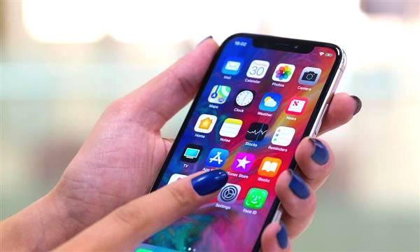 史上最大iPhone遭女性用户抱怨:没法用