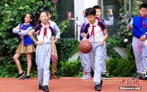 新时代如何立德树人?习近平为中国教育划重点!