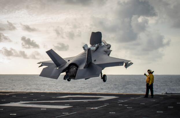 叙利亚局势紧张 美国首次在中东部署F-35B战机