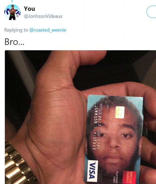 大头贴还是名片?美国男子奇葩信用卡爆红网络