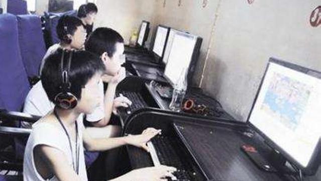 青少年過度沉迷網絡現象觀察:玩手機成孩子學習的唯一動力
