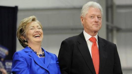 克林顿夫妇巡回宣讲被讽圈钱 美媒:比听音乐会还贵