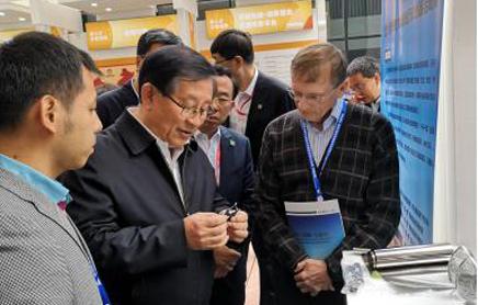 中国科协主席万钢点赞海外双创活动周