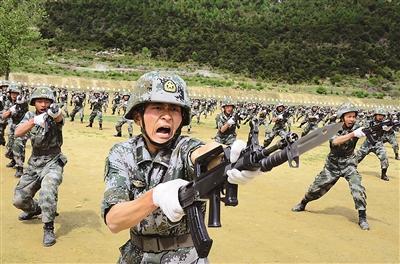 复杂环境下,探索跨军种联合训练机制