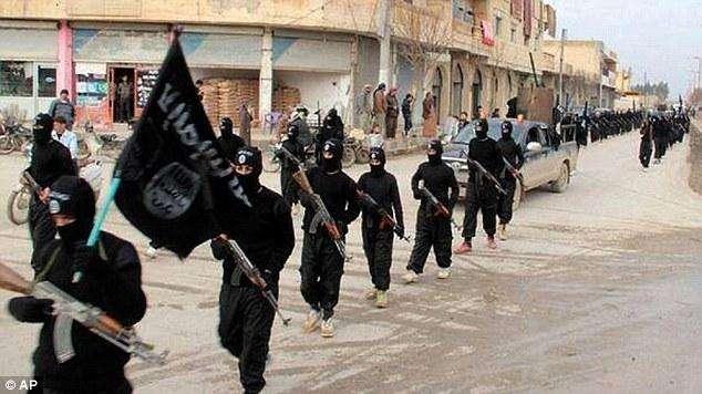 """恐怖分子袭击叙难民营抓走700人,或用作""""人体盾牌"""""""