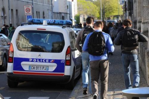 法国轮奸案视频惊现网络引众怒 4名嫌疑人被捕