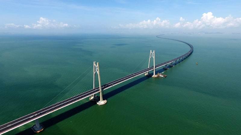 港珠澳大桥建设中的科技智慧