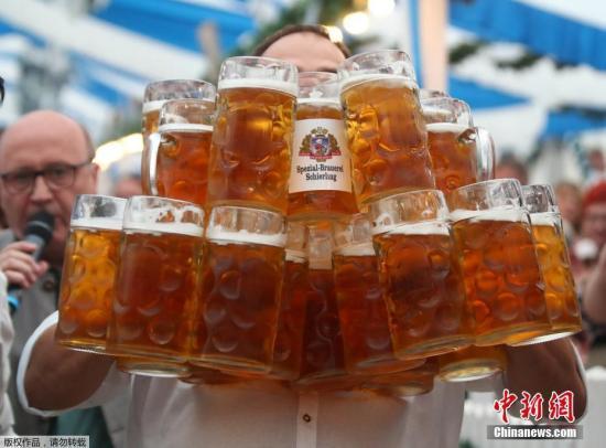 意大利百岁老人的健康秘诀:不挑食,每天两杯啤酒