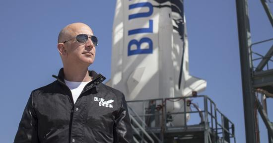 贝佐斯:人类未来数量可达万亿,生活在太阳系各处
