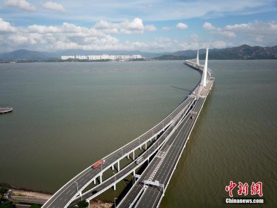 調查指粵港澳大灣區未來3年經濟增速將高于其他地區