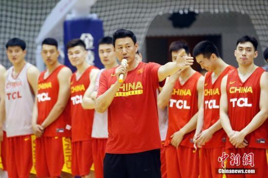 易建联、郭艾伦领衔中国男篮世预赛16人集训名单
