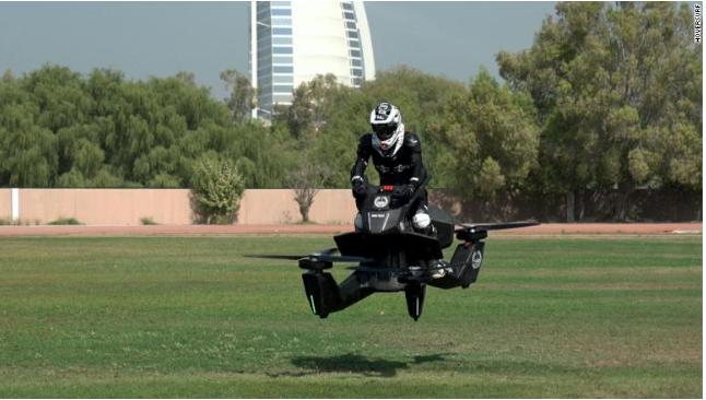 酷炫!迪拜警方测试俄飞行摩托 可升空5米飞行