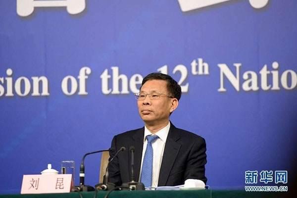 财政部部长刘昆:预计全年减负1.3万亿元以上