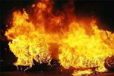 美加州山火持续延烧 寻找遇难者遗体或成最大挑战