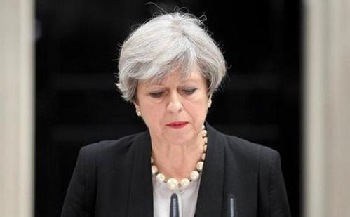 外媒:英首相陷入任首相来最大危机 或面临不信任投票