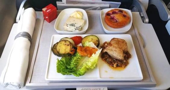 多家航空公司取消免費餐,乘客:票價也應該降下來