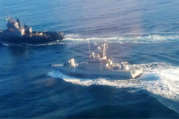 场面危险!英驱逐舰驶入黑海 17架俄战机紧急升空