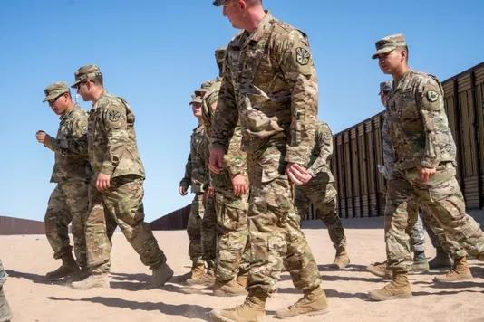 严防移民潮 特朗普或将在美墨边境增兵至15000人