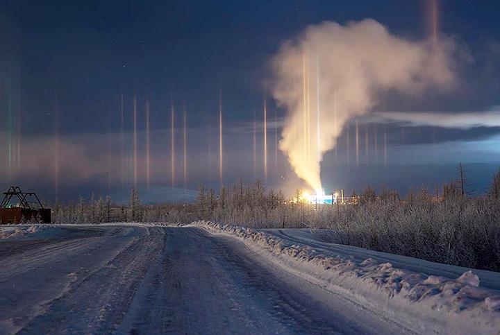 """西伯利亚这会儿有多冷?刚泡好的方便面冻成""""冰雕"""""""