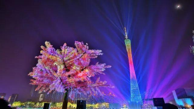 今年灯光节更惊艳:珠江桥廊亮半年,还有无人机表演