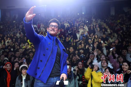 阿米尔·汗携《印度暴徒》走进南京高校自我感觉像韦小宝