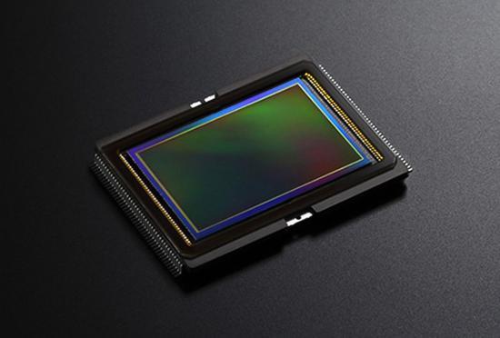 最低64的原生ISO 索尼IMX455全幅传感器曝光