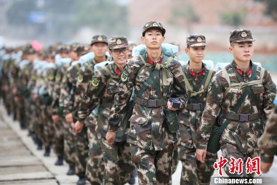 武警福建省总队开展新兵野营大拉练