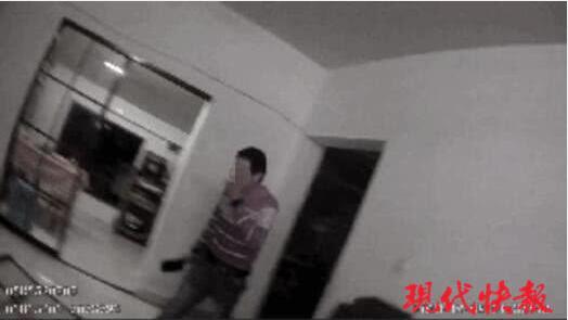 女子遭家暴报警 警察上门被其丈夫持菜刀追砍