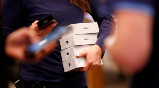 在德国下架在中国继续卖 苹果为何敢选择性执行判决