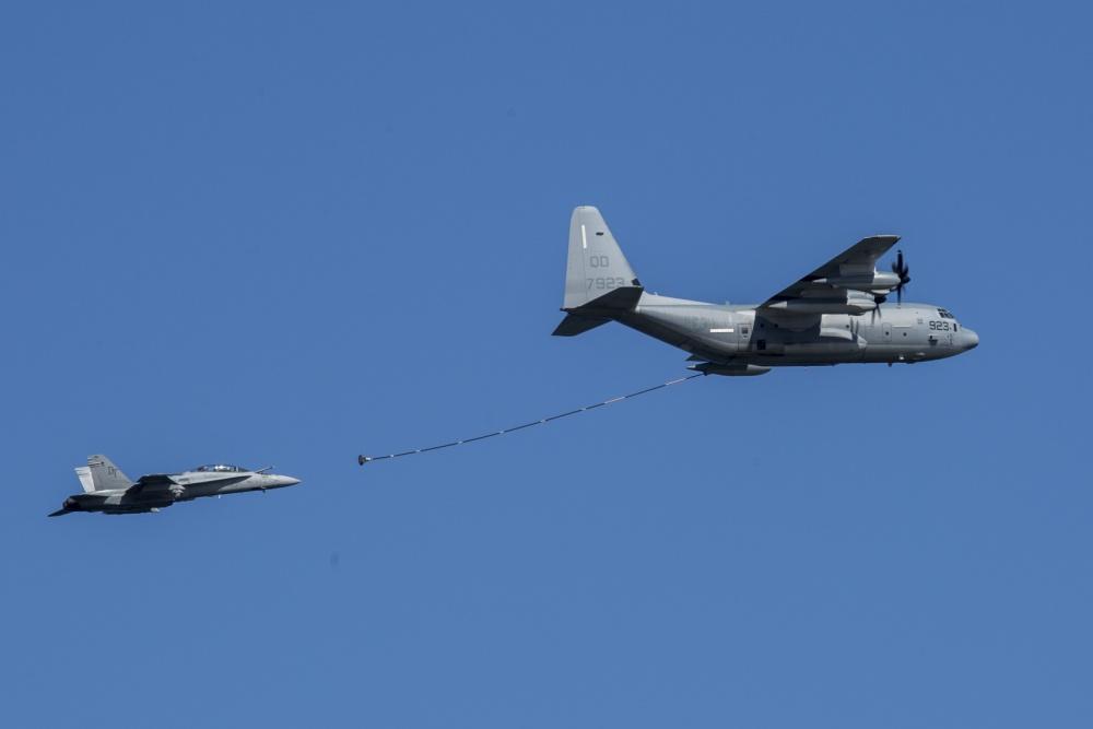 美专家:战机相撞或因对接失败 用软管加油太危险