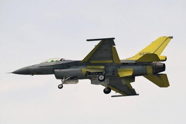 台军4架新购的美制F-16V战斗机被曝生锈了