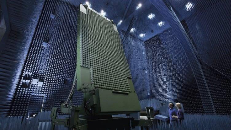 四年之后 美国终于造出和中国同款反隐身雷达