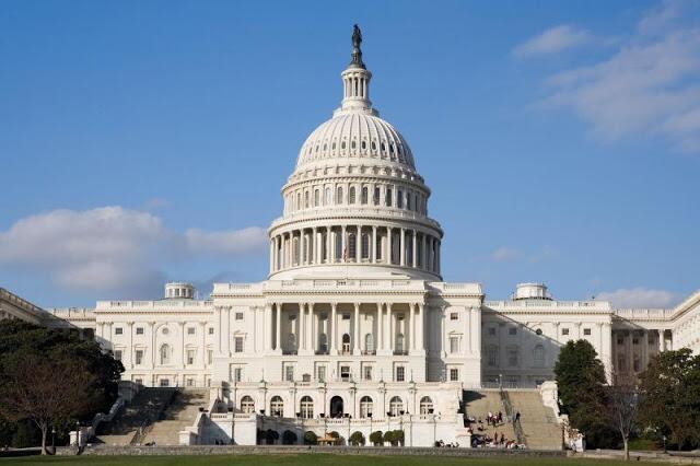 美两党各自提案望政府开门 美媒:关门僵局仍无尽头